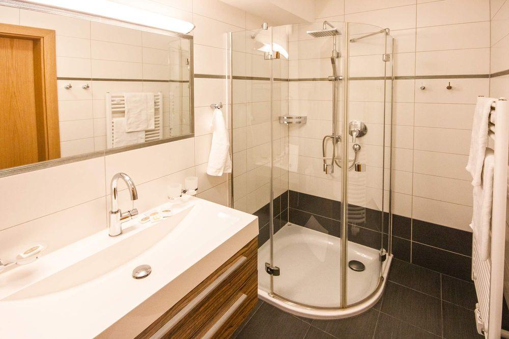 3 schlafzimmer ferienwohnungen im zentrum von mayrhofen