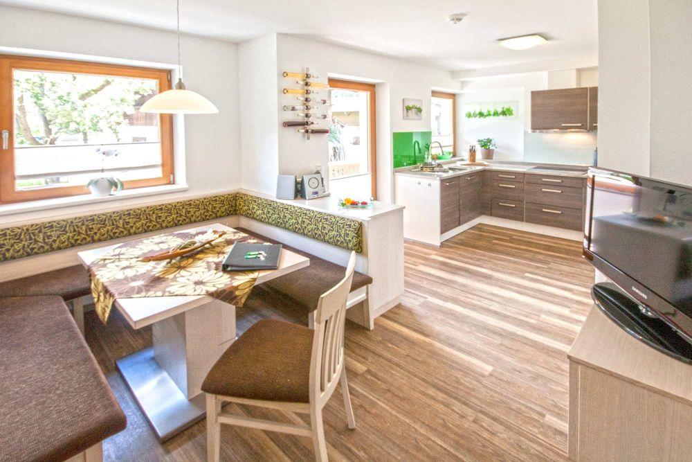 3 schlafzimmer ferienwohnungen im zentrum von mayrhofen - Kche Mit Essbereich
