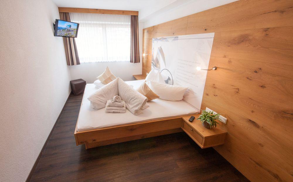 2 schlafzimmer ferienwohnung, zentral in mayrhofen, zillertal - Schlafzimmer Design