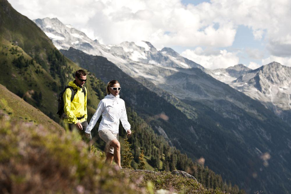 Kletterausrüstung Zillertal : Sommer aktivitäten in mayrhofen